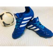 Футбольные бутсы. Adidas